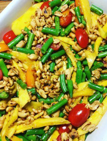 Blije Bietjes - som tam salade met mango