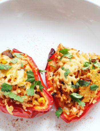 Gevulde Mexicaanse vegetarische paprika's
